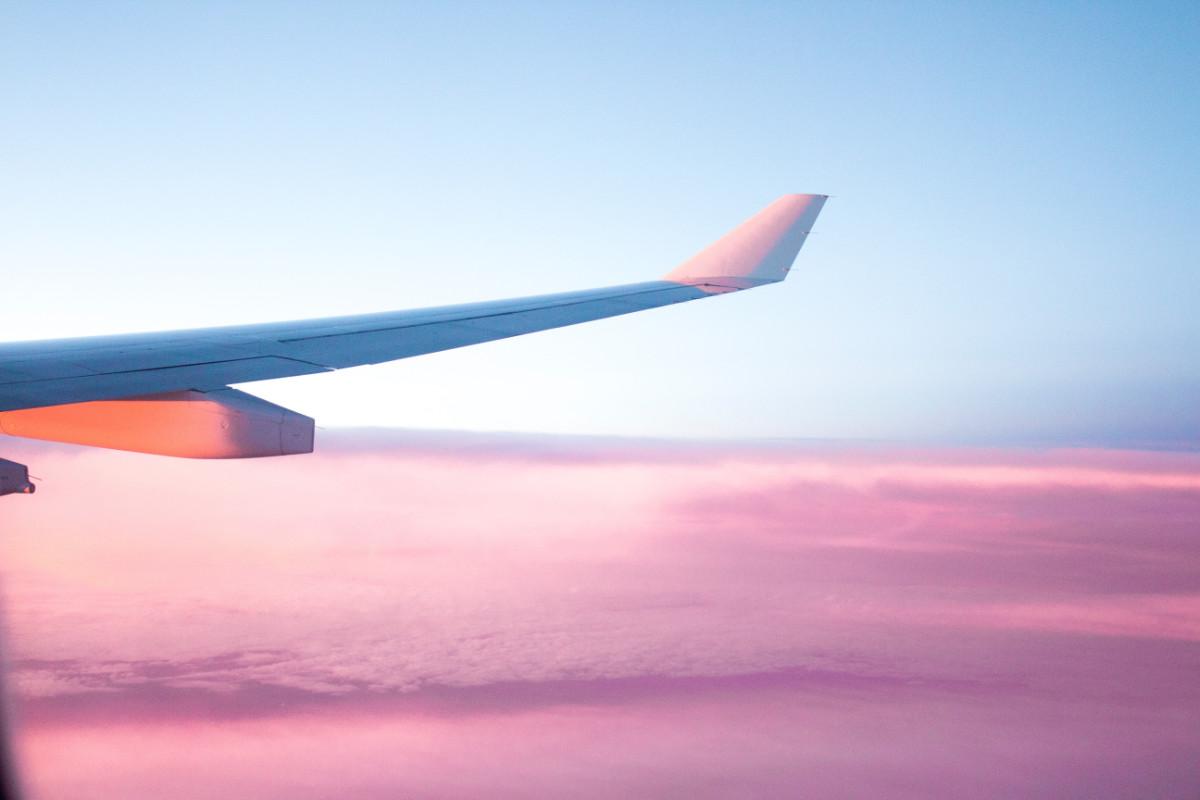 Come si fa a cambiare il motore di un aereo in volo?